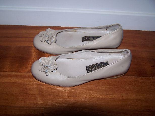 Sapatos de marca e de tamanho 36. Novos
