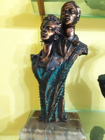Estatueta casal idoso