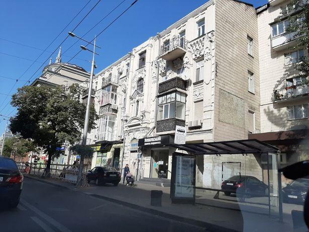 Продам 2 квартиры в центре на Б. Васильковской общ. 132 м2 под кап. ре