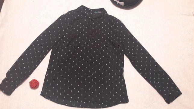 """Черная с белым принтом """"буквы"""" легкая блузка Befree."""