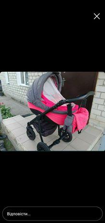 Хороша  дитяча коляска