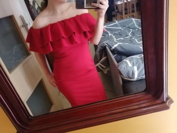 Elegancka czerwona sukienka