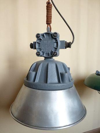 Fabryczna duża lampa z PRL-u do baru lub loftu. Industrial, vintage