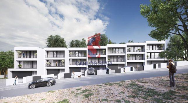 Moradia T3 de arquitetura moderna e boa localização - Antas, VNF