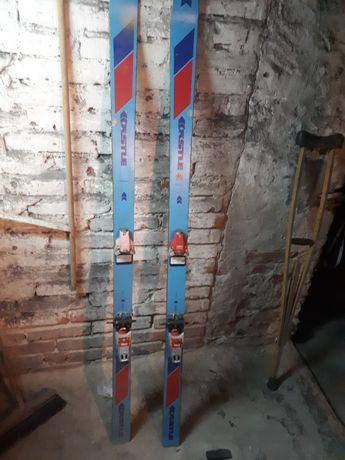 Stare narty narciarskie