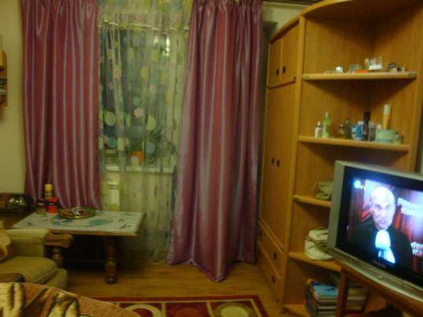 Комната девушке ст.м.Житомирская в пешей доступ. ул.Львовская
