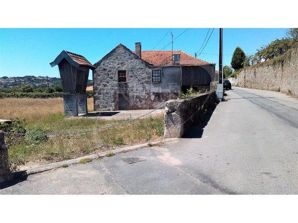 Terreno com 5.028 m2, com uma construção antiga, e com ce...
