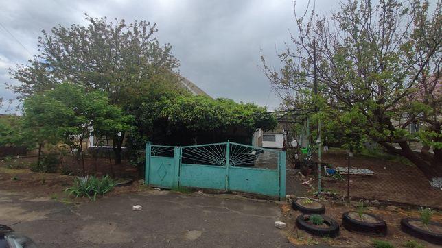 Дом  Козацкое возле школы .