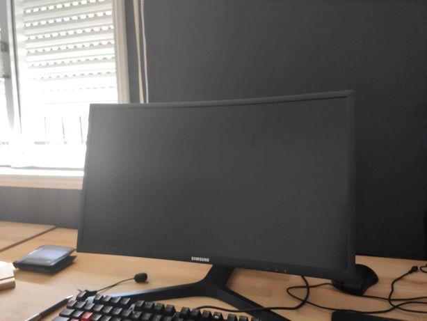 "Monitor Gaming Samsung 24"" Curvo QLED"