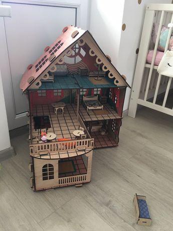 Деревянний будиночок Оселя