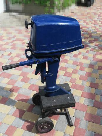 Подвесной лодочний мотор Ветерок 12