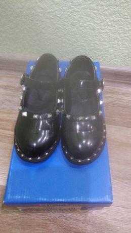 Туфли для девочки нарядные лаковые детская обувь