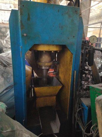 Пресс брикетировочный для стружки и отходов металла б/у
