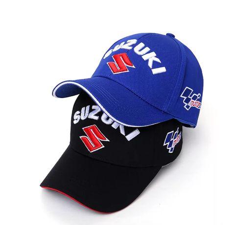Bonés Suzuki azul e preto