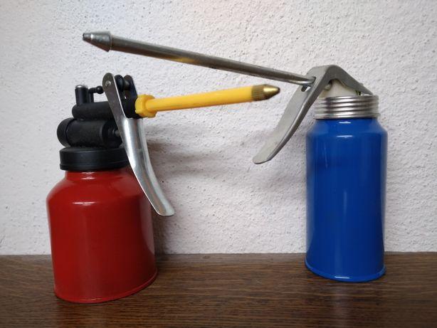 Oliwiarka metalowa manualna