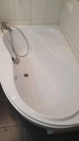Продам угловую ванную 95×150 Ravak ( Чехия) с панелью и сместителем