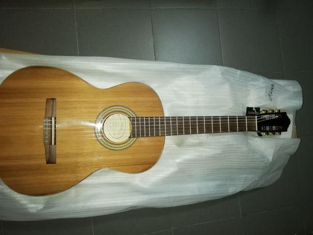 Guitarra clássica concerto de qualidade.