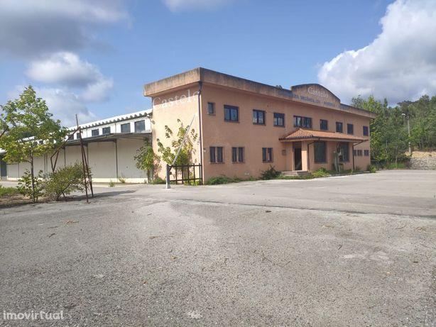 Armazém Industrial de 2 pisos, com 2.617 m²