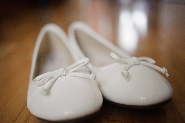 Balerinki białe r. 39 ślub