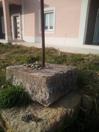 Pedra com fuso de lagar