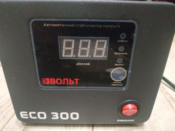 Продам стабилизатор напряжения ECO 300