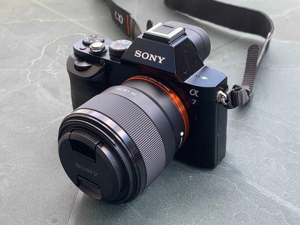 Máquina fotográfica Sony A7 + Lente Sony Alpha FE 50mm F1.8