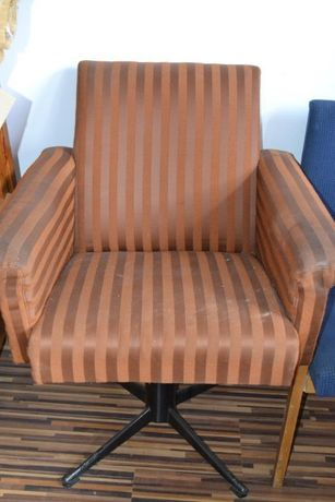 Obrotowy fotel PRL