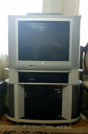 Телевизор Philips, подставка под телевизор, DVD проигрыватель