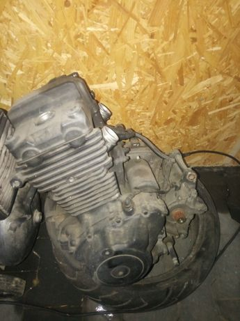 Silnik Cb 500 dawca