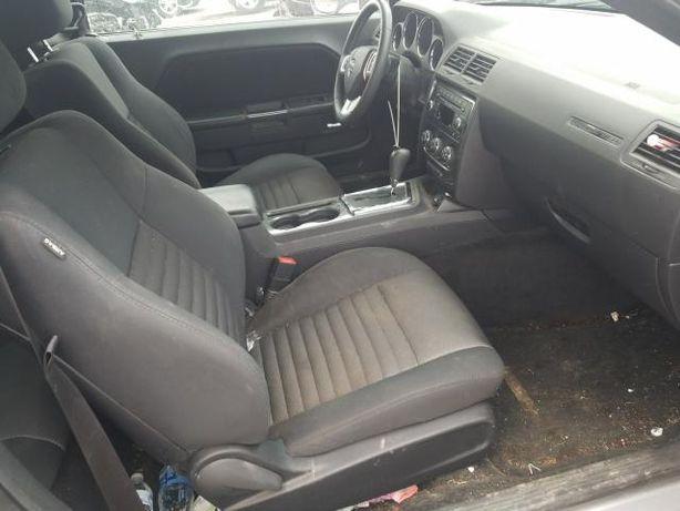 Fotele komplet wnętrze Dodge challenger 2013r