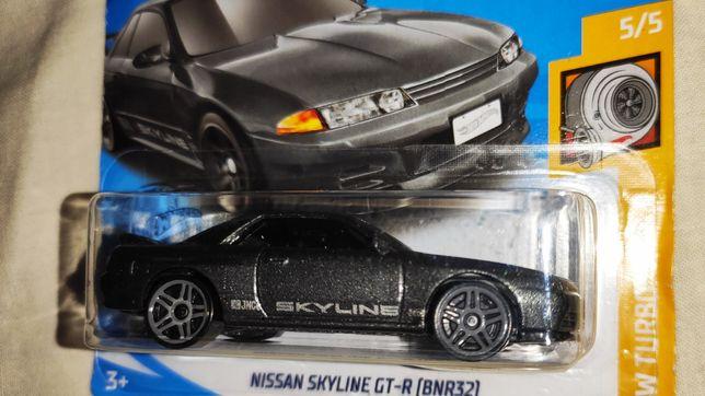 Nissan Skyline GT-R. Hot Wheels.Jak matchbox.