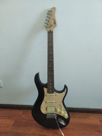 Guitarra electrica com amplificador