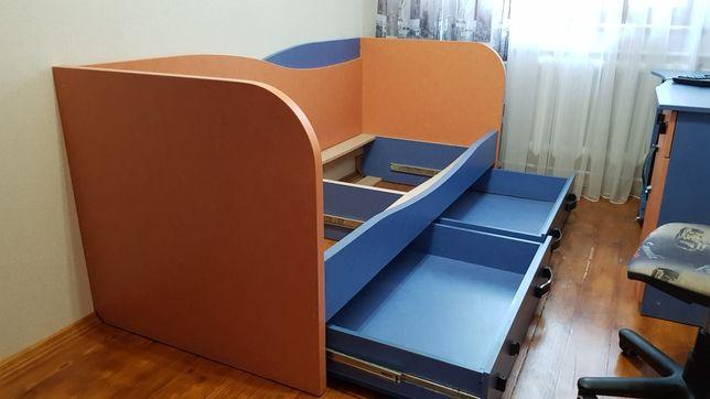 Ліжко , з ортопедичним матрасом