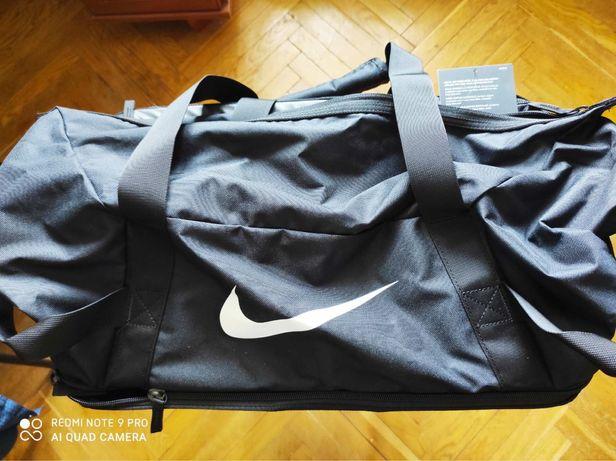 Сумка Nike club team hardcase misc
