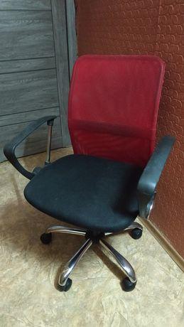 Офисный стул (кресло)