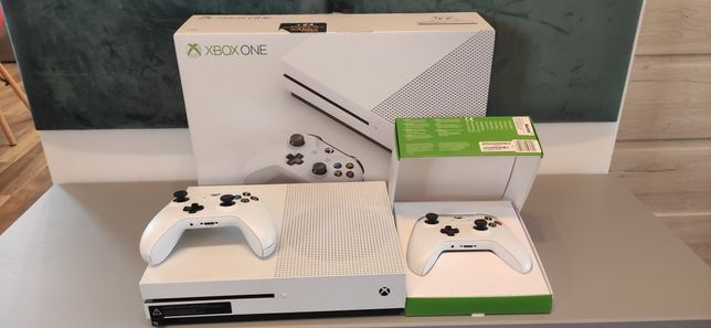 Xbox one s 1 tb + gry