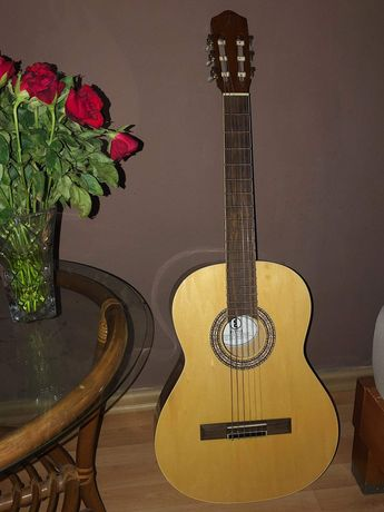 Gitara klasyczna z pokrowcem i śpiewnikami