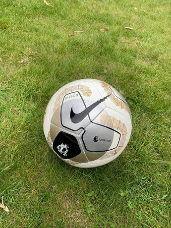 Футбольний м'яч Nike Pitch APL