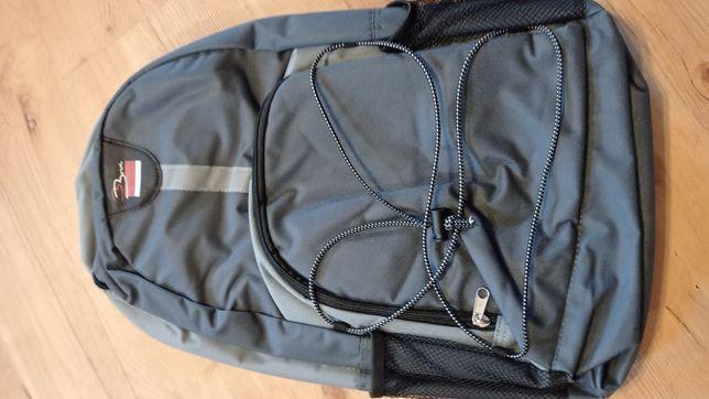 Szary plecak szkolny