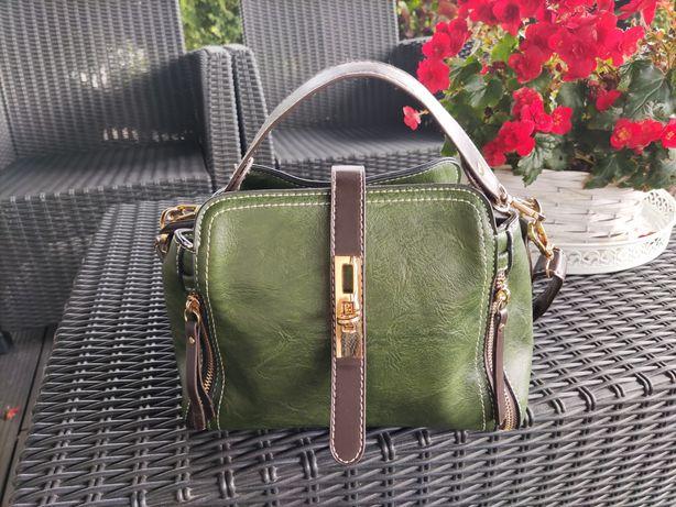 Elegancka torebka typu kuferek
