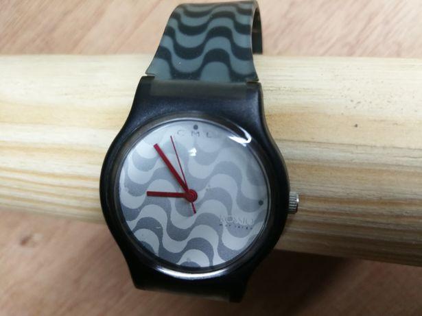 Relógio tipo Swatch