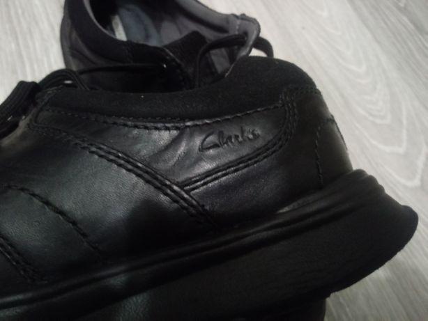 Продам мужские кожаные туфли Clark's