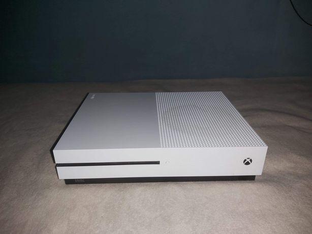 Xbox One S biały 1tb +6 gier