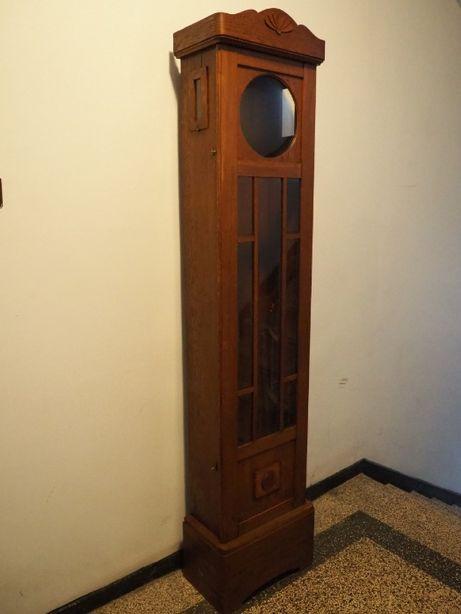 Zegar stojący z początku XX wieku - skrzynia