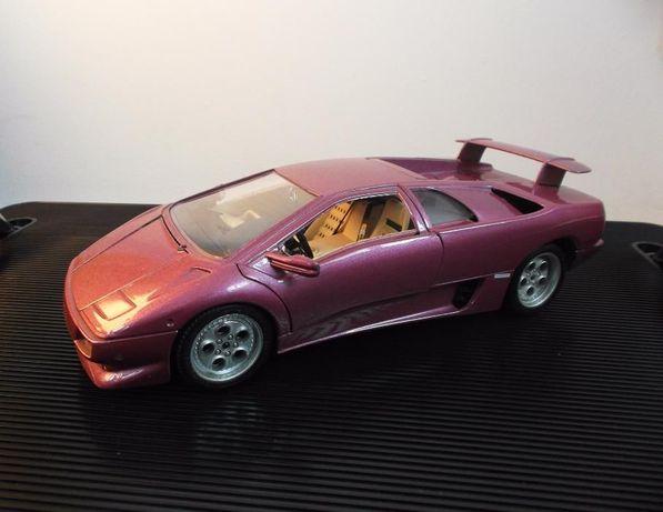 Miniatura 1:18 Burago - Lamborghini Diablo 1990