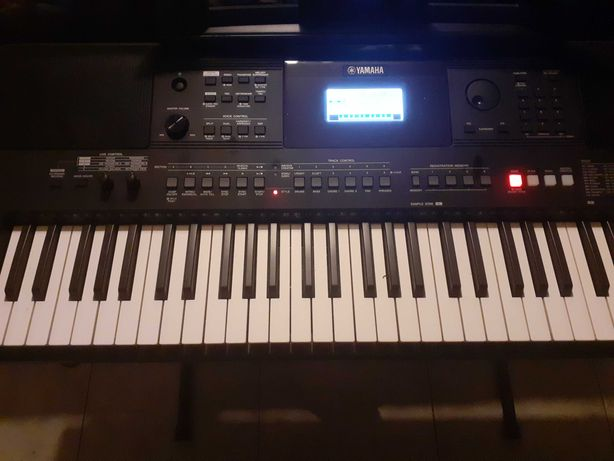 Vendo teclado musical yamaha  E463