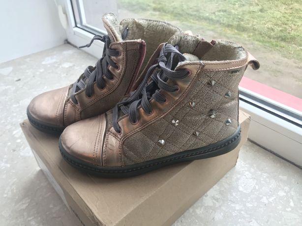 Взуття на дівчинку BARTEK