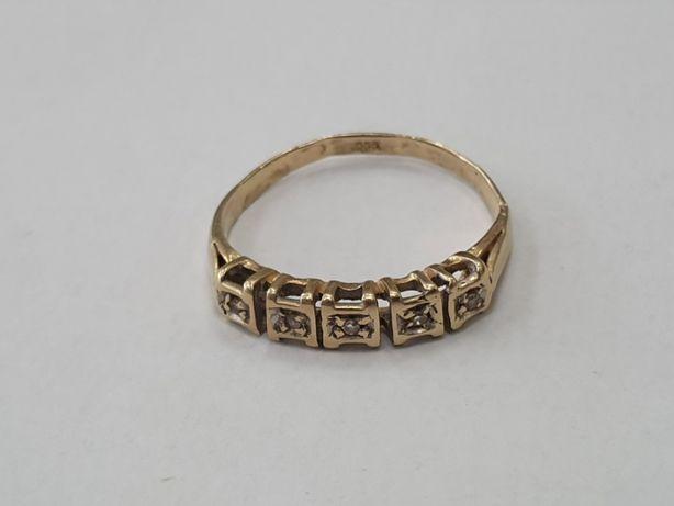 Piękny złoty pierścionek damski/ 5 brylantów/ 585/ 1.5g/ R12/ Gdynia