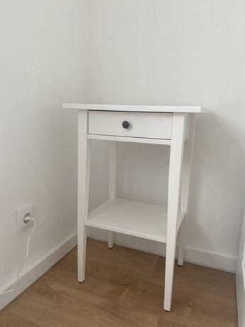 1 Mesinha Cabeceira NOVA Ikea