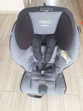 Axkid Minikid fotelik tyłem po 1 dziecku
